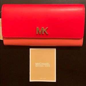 NEW Micheal Kors Montgomery Leather Wallet